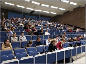 collegezaal met studenten